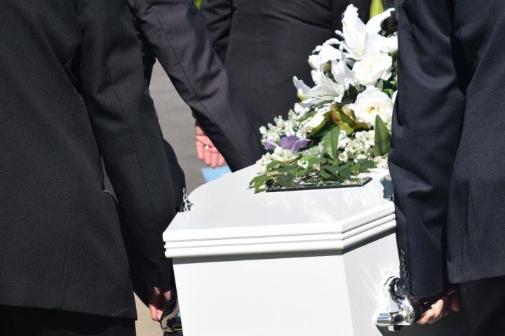 Jaką trumnę wybrać na pogrzeb?