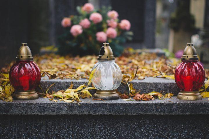 Tradycyjny pogrzeb czy kremacja?